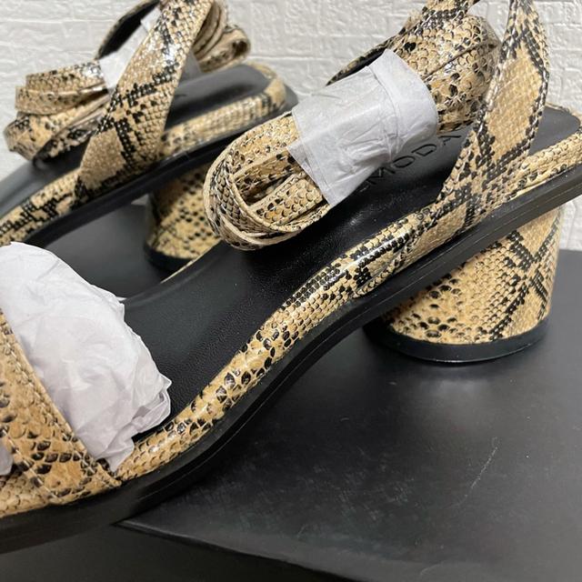 EMODA(エモダ)の新品未使用 EMODA ストラップシューズ レディースの靴/シューズ(ハイヒール/パンプス)の商品写真