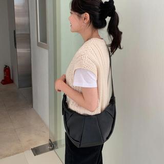 オオトロ(OHOTORO)のクロワッサンバッグ クロスバッグ ショルダーバッグ  韓国通販 韓国(ショルダーバッグ)