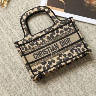 Christian Dior - 新作【Dior】ディオールブックトートミニバッグ