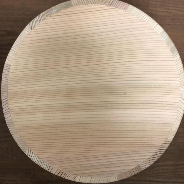 天然 秋田杉 おひつ 5合 銅タガ インテリア/住まい/日用品のキッチン/食器(容器)の商品写真