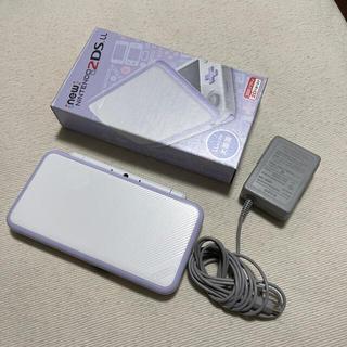 ニンテンドウ(任天堂)のNintendo ゲーム機本体 NEW ニンテンドー 2DS LL ホワイト/ラ(携帯用ゲーム機本体)