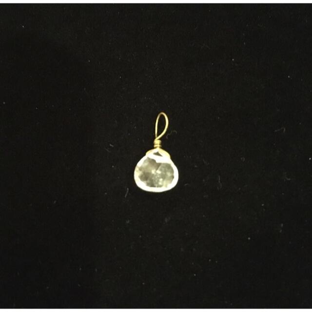 貴和製作所(キワセイサクジョ)のペンダントヘッド 水晶クリスタル(天然)チャーム ハンドメイドの素材/材料(各種パーツ)の商品写真
