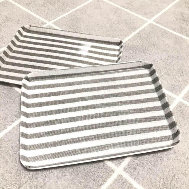 Francfranc(フランフラン)の新品未使用 カフェ風 トレー トレイ 2枚セット インテリア/住まい/日用品のキッチン/食器(テーブル用品)の商品写真