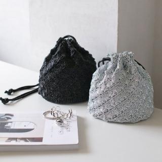 ミラオーウェン(Mila Owen)の【新品未使用】rectangle メタリック巾着バッグ(ハンドバッグ)