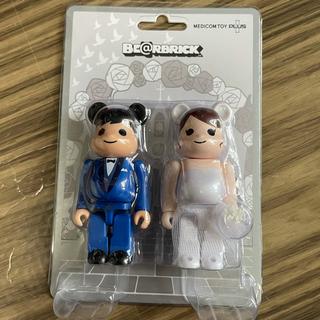 メディコムトイ(MEDICOM TOY)のBE@RBRICK グリーティング 結婚 4 PLUS 100%(フィギュア)