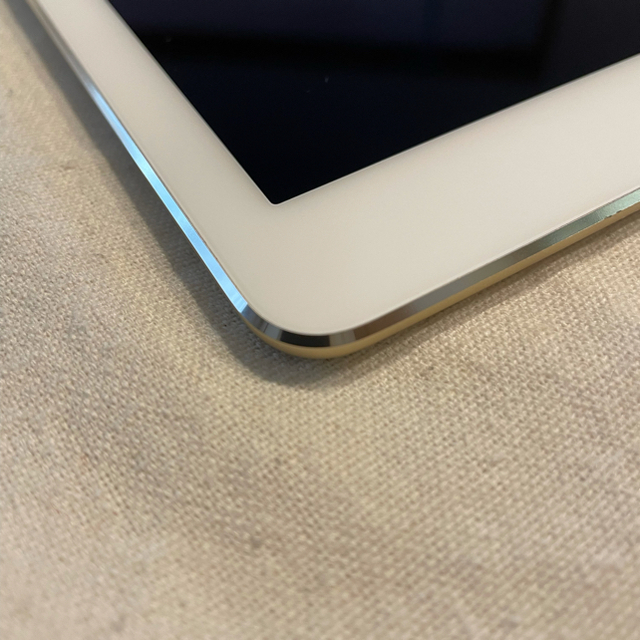 iPad(アイパッド)のはる様専用(中古品)Ipad Air2 16GB  スマホ/家電/カメラのPC/タブレット(タブレット)の商品写真