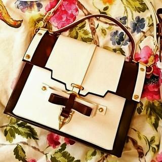 【新品】niels peeraer bow buckle bag(ショルダーバッグ)