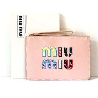 ミュウミュウ(miumiu)の最新 ミュウミュウ    ノベルティ ポーチ ピンク 箱付き正規品(ポーチ)