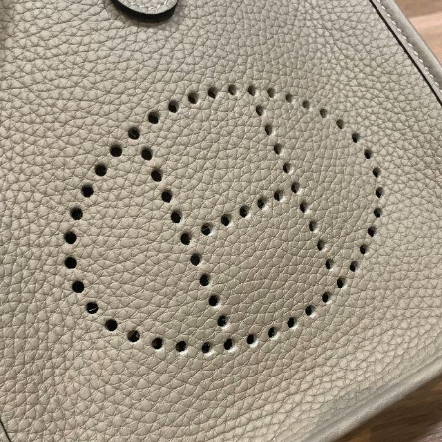 Hermes(エルメス)の新品未使用 エルメス 入手困難 エブリンTPM トレンチ SV金具 Z刻印 レディースのバッグ(ショルダーバッグ)の商品写真