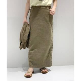 アパルトモンドゥーズィエムクラス(L'Appartement DEUXIEME CLASSE)のAP STUDIO ウォッシュタイトスカート カーキ 38 新品タグ付(ロングスカート)
