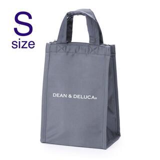 ディーンアンドデルーカ(DEAN & DELUCA)のDEAN & DELUCA クーラーバッグ グレーS(弁当用品)