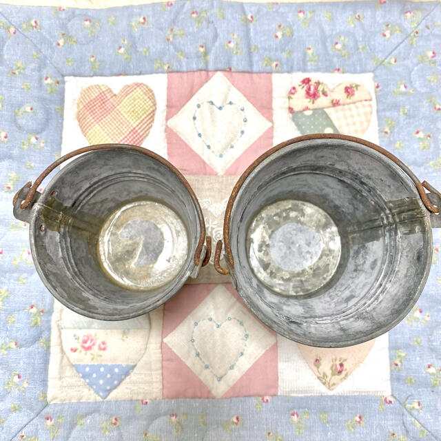 Francfranc(フランフラン)のブリキ バケツ 2個セット 可愛い Covenant garden インテリア/住まい/日用品のインテリア小物(小物入れ)の商品写真