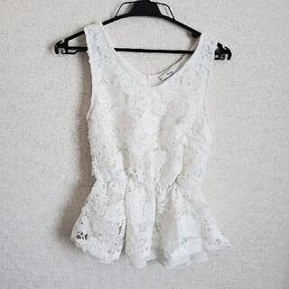 グレイル(GRL)のグレイル トップス M(カットソー(半袖/袖なし))