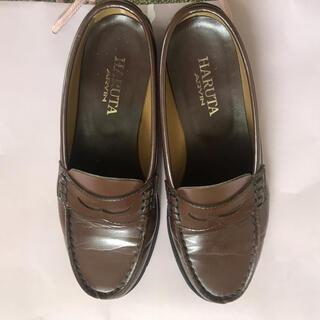 ハルタ(HARUTA)のHARUTA 茶色ローファー24.5cm(ローファー/革靴)