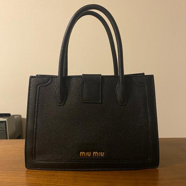 miumiu(ミュウミュウ)のミュウミュウ ハンドバッグ ブラック レディースのバッグ(ハンドバッグ)の商品写真