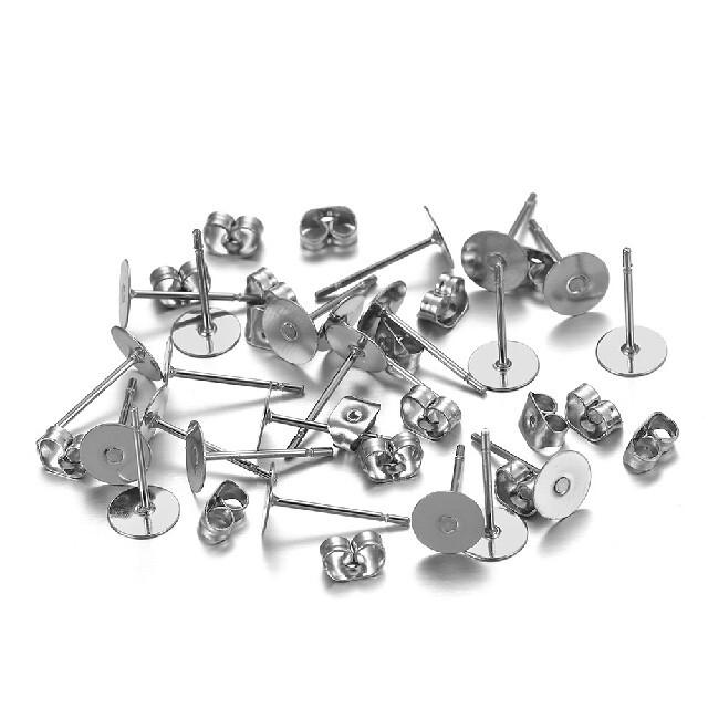 アクセサリーパーツ 丸カン ピアスパーツ(平皿4mm) 金属 キャッチ シリコン ハンドメイドの素材/材料(各種パーツ)の商品写真