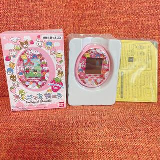 バンダイ(BANDAI)の超美品 完売 激レア たまごっちみーつ サンリオキャラクターズみーつ ピンク(携帯用ゲーム機本体)