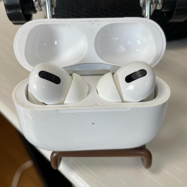 Apple(アップル)のAirPods Pro スマホ/家電/カメラのオーディオ機器(ヘッドフォン/イヤフォン)の商品写真
