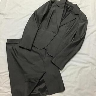 インディヴィ(INDIVI)のINDIVI スカートスーツセットアップ グレー 1B サイズ大きめ(スーツ)