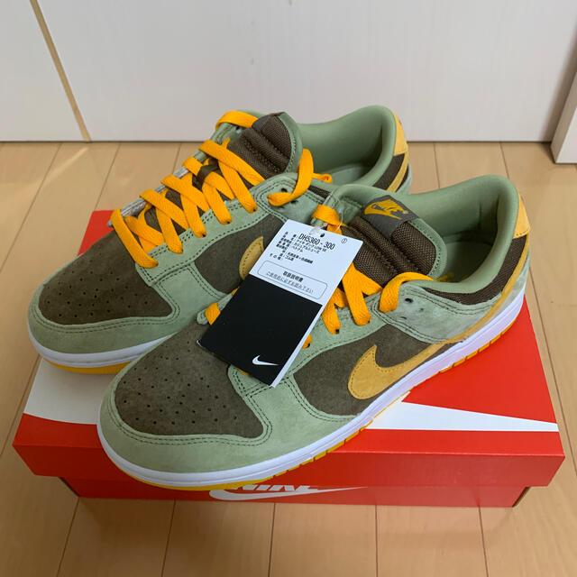 NIKE(ナイキ)のNIKE DUNK LOW DUSTY OLIVE メンズの靴/シューズ(スニーカー)の商品写真