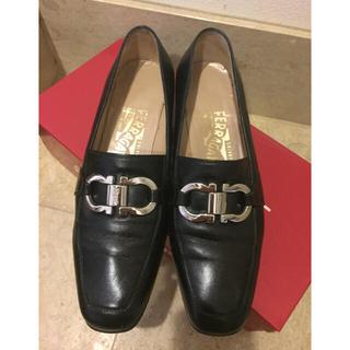 フェラガモ(Ferragamo)の正規品 フェラガモ ローファー(ローファー/革靴)