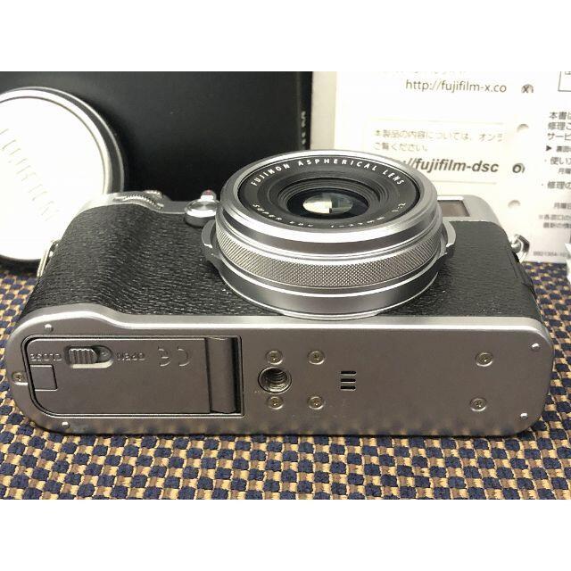 富士フイルム(フジフイルム)の1226 FUJIFILM X100F たった5400 Shot フジフィルム スマホ/家電/カメラのカメラ(コンパクトデジタルカメラ)の商品写真