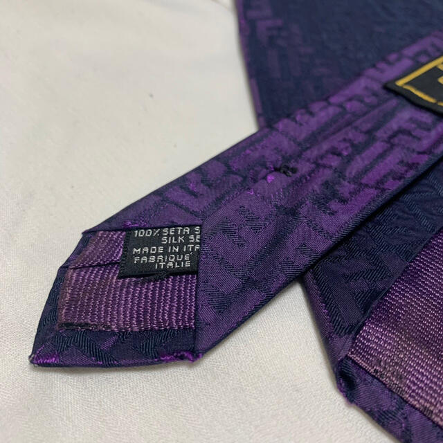 FENDI(フェンディ)の【美品】FENDI お洒落 F柄 ネクタイ メンズのファッション小物(ネクタイ)の商品写真