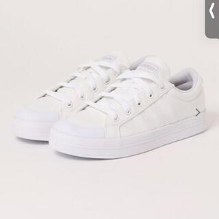 アディダス(adidas)のadidas スニーカー 23.0 ホワイト(スニーカー)