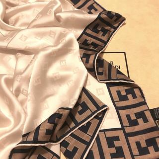 FENDI - 未使用 フェンディ シルクスカーフ shining very beautiful