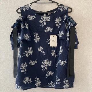 グレイル(GRL)の花柄トップス 肩空き(カットソー(半袖/袖なし))