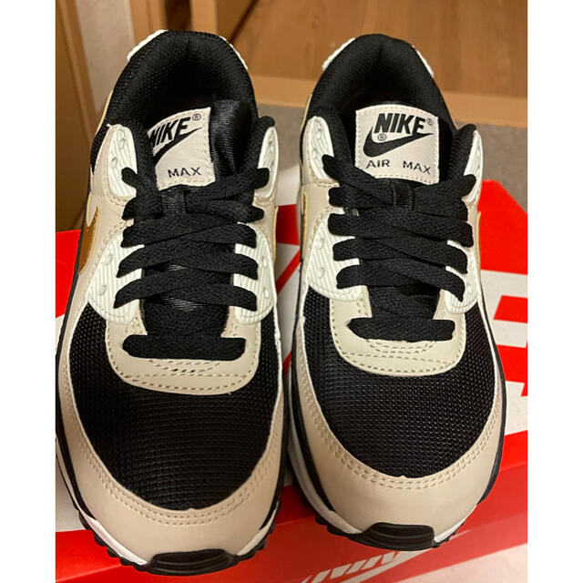 "NIKE(ナイキ)のNIKE W AIR MAX 90 ""GRAY BEIGE""DB9578-001 レディースの靴/シューズ(スニーカー)の商品写真"