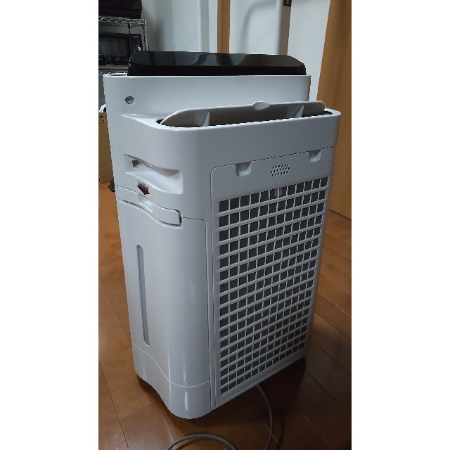 SHARP(シャープ)のSHARP 加湿空気清浄機 KC-H50-W スマホ/家電/カメラの生活家電(空気清浄器)の商品写真