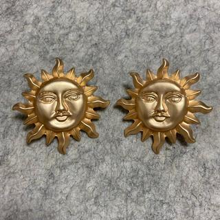 TOGA - ヴィンテージ 太陽モチーフピアス