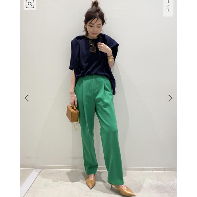 DEUXIEME CLASSE(ドゥーズィエムクラス)の【L'Appartement/アパルトモン】Lisiere Tuck Pants レディースのパンツ(カジュアルパンツ)の商品写真