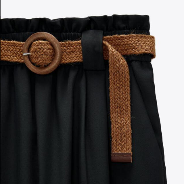 ZARA(ザラ)の⭐︎ ZARA 新品未使用タグ付き ラフィラベルト付きパンツ S レディースのパンツ(カジュアルパンツ)の商品写真
