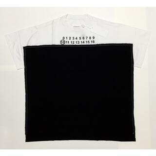 マルタンマルジェラ(Maison Martin Margiela)の48 メゾン マルジェラ ナンバリング オーバーサイズ ロゴ Tシャツ ブラック(Tシャツ/カットソー(半袖/袖なし))