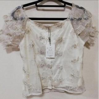 グレイル(GRL)のグレイル トップス 刺繍(カットソー(半袖/袖なし))