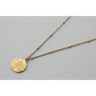 コイン ネックレス 彫刻デザイン ゴールド ハンマー加工