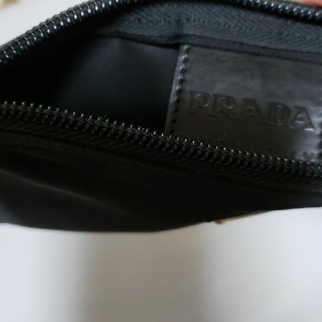 PRADA(プラダ)のPRADA プラダ ポーチ 小物入れ ナイロン 黒 ブラック レディースのファッション小物(ポーチ)の商品写真
