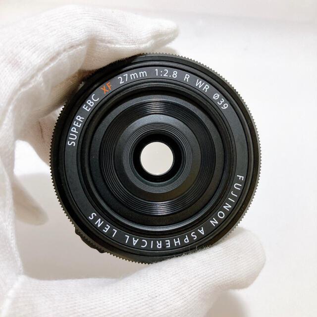 富士フイルム(フジフイルム)のFUJIFILM XF27mmF2.8 R WR スマホ/家電/カメラのカメラ(レンズ(単焦点))の商品写真