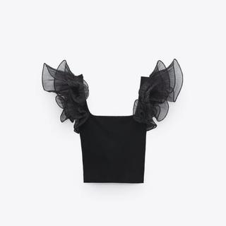 ザラ(ZARA)の【新品未使用タグ付き】 ZARA  オーガンザフリルトップス(Tシャツ(半袖/袖なし))