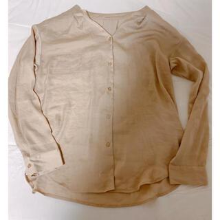 ジーユー(GU)のGU  サテン地シャツ とろみシャツ beige(シャツ/ブラウス(長袖/七分))