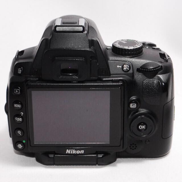 Nikon(ニコン)のWi-Fi対応☆撮った写真をシェアしよう Nikon D5000 一眼レフカメラ スマホ/家電/カメラのカメラ(デジタル一眼)の商品写真