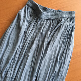 ユニクロ(UNIQLO)のUNIQLO ユニクロ ワッシャーサテンスカートパンツ(その他)