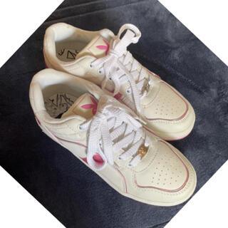 PLAYBOY - 新品未使用 23.5cm ホワイト ピンク プレイボーイ スニーカー