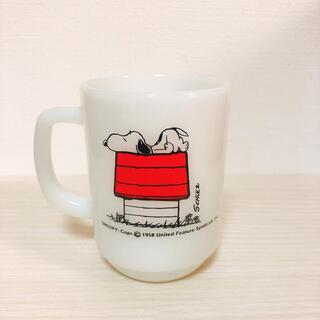 ファイヤーキング(Fire-King)のファイヤーキング スヌーピー マグカップ(グラス/カップ)