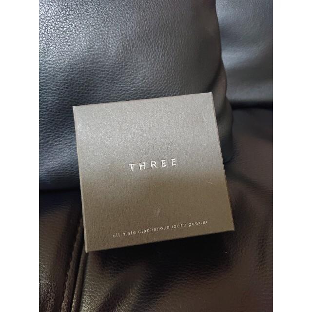 THREE(スリー)のTHREE アルティメイトダイアフェネスルースパウダー コスメ/美容のベースメイク/化粧品(フェイスパウダー)の商品写真