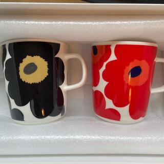 marimekko - マリメッコ マグカップ 赤×黒 ペアカップ
