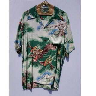 サンサーフ(Sun Surf)の東洋 SUNSURF 和柄アロハシャツ 松に龍 グリーン系 Mサイズ 送料無料(シャツ)
