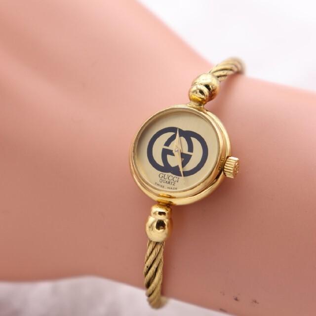 Gucci(グッチ)の正規品【動作品】GUCCI 2047L/ヴィンテージ バングル 人気モデル レディースのファッション小物(腕時計)の商品写真
